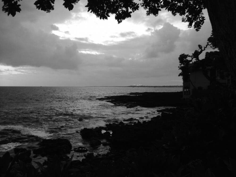Kona Sunset - BW