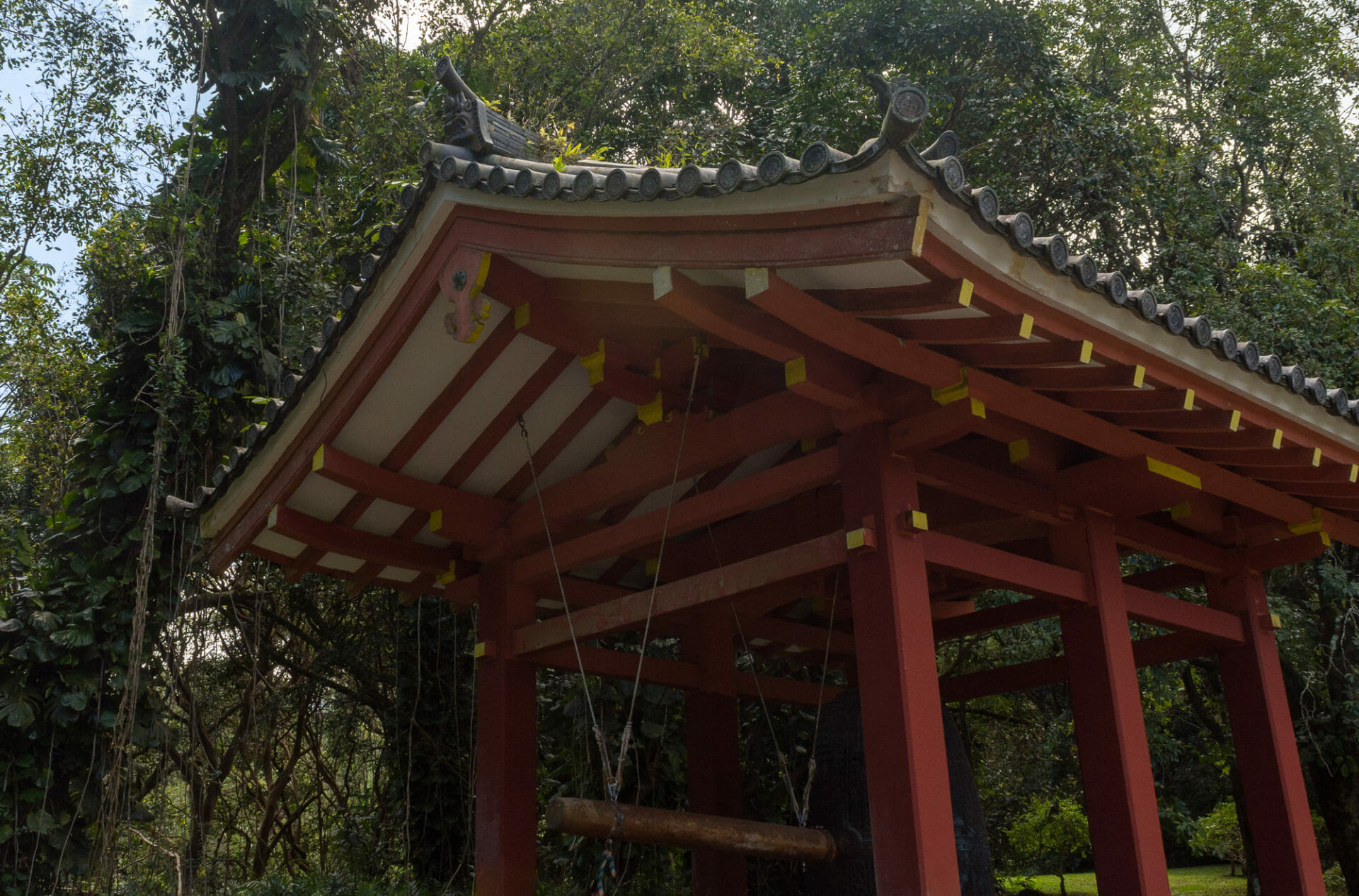 Friday Fotos – Byodo-In Temple Sacred Bell pagoda