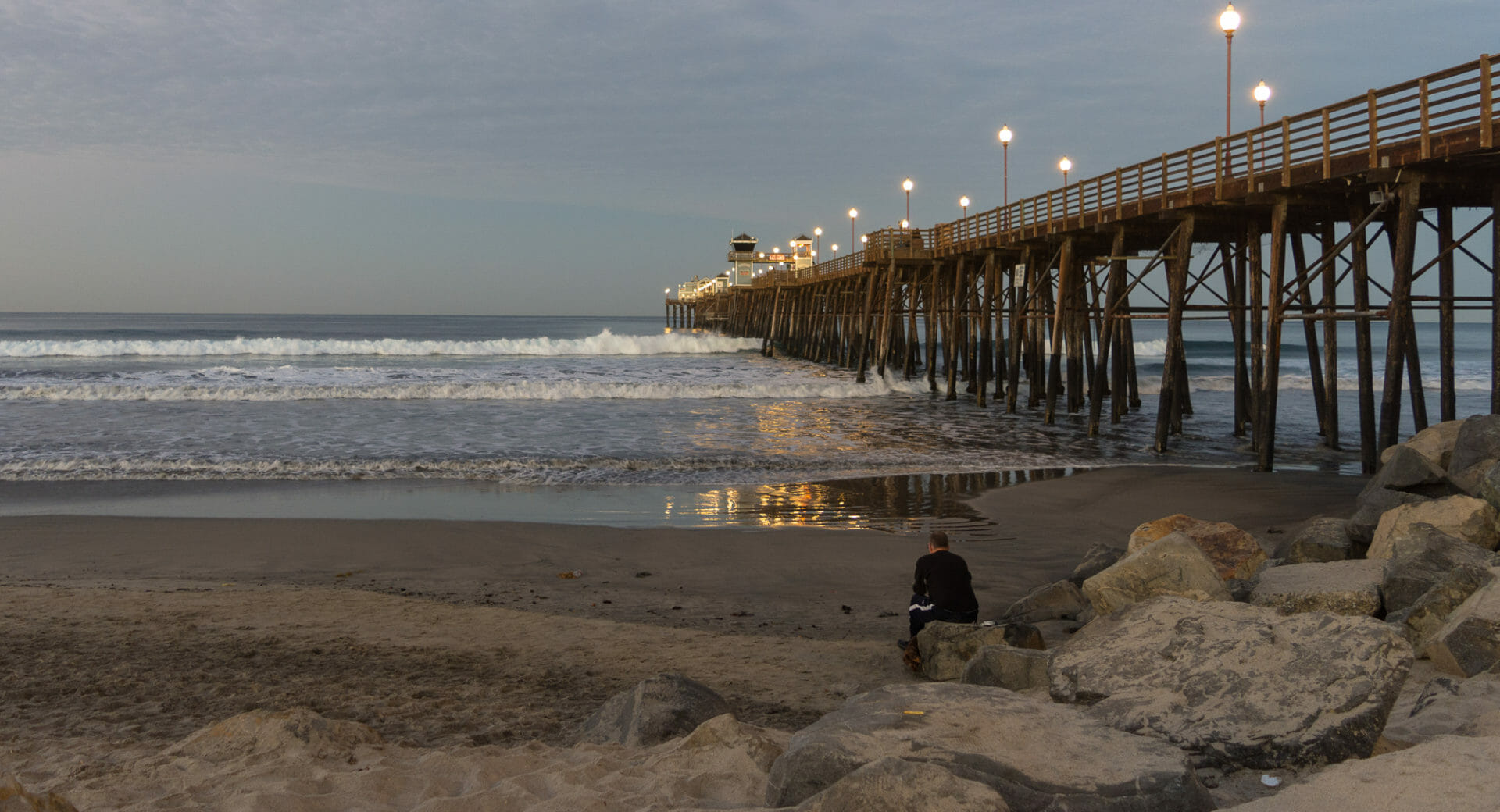 Morning at the Oceanside Pier