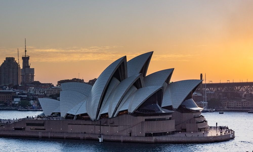 Sunset behind Sydney Opera House
