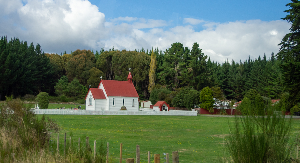 Church in the New Zealand countryside