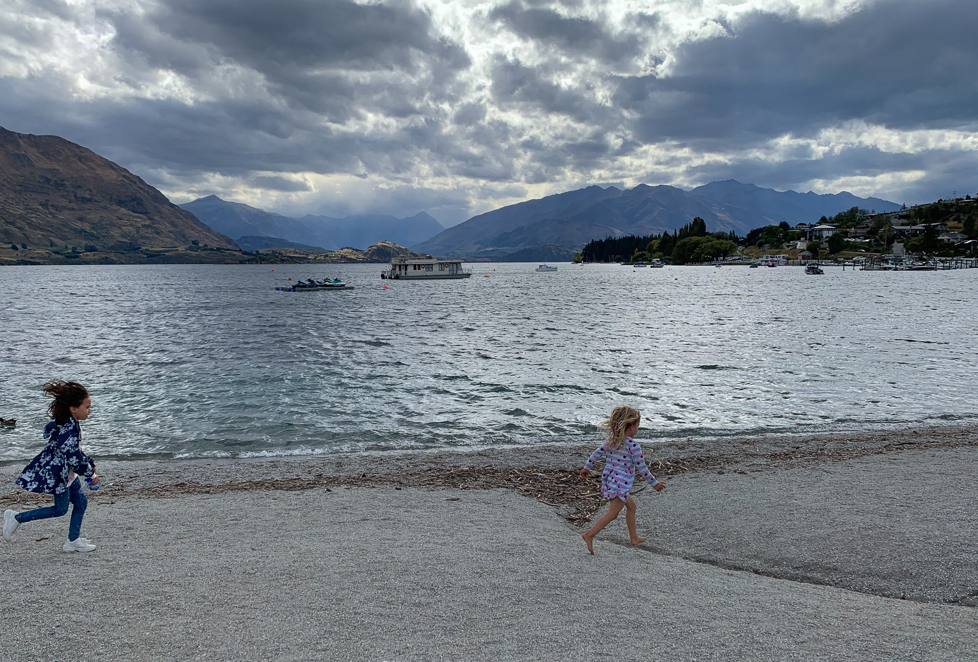 Playing along Lake Wanaka
